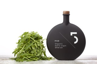 FIVE Organic – Photography: Stefanos Tsakiris (3w.stefanostsakiris.com) – Food Styling: Kyriaki Sidiropoulou – Bottle Graphic Design: Designers United